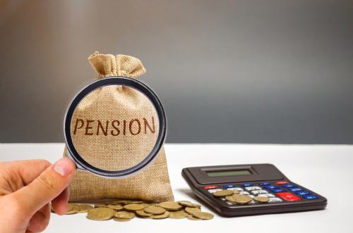 A partire dal 2020, per chi ha almeno 58 anni d'età, ci sono dodici possibilità per lasciare il lavoro ed accedere alla Pensione. Andiamo a vedere insieme quali sono le possibilità e le modalità di accesso alla Pensione.