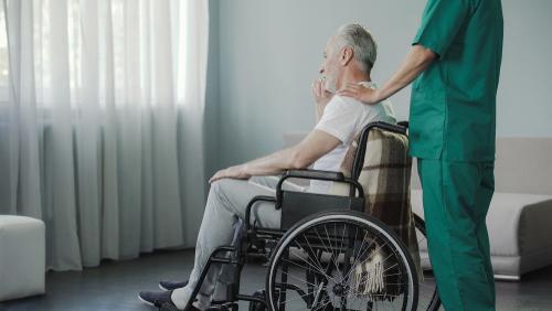 Assegno di cura per anziani: cos'è e come funziona